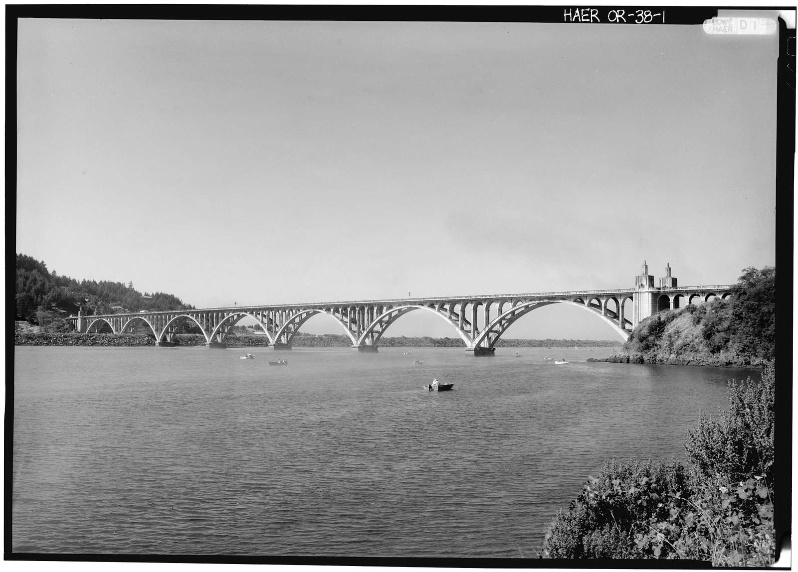 Bridge at Mouth of Rogue River, Spanning Rogue River on Oregon Coast Highway, Gold Beach, Curry County, OR