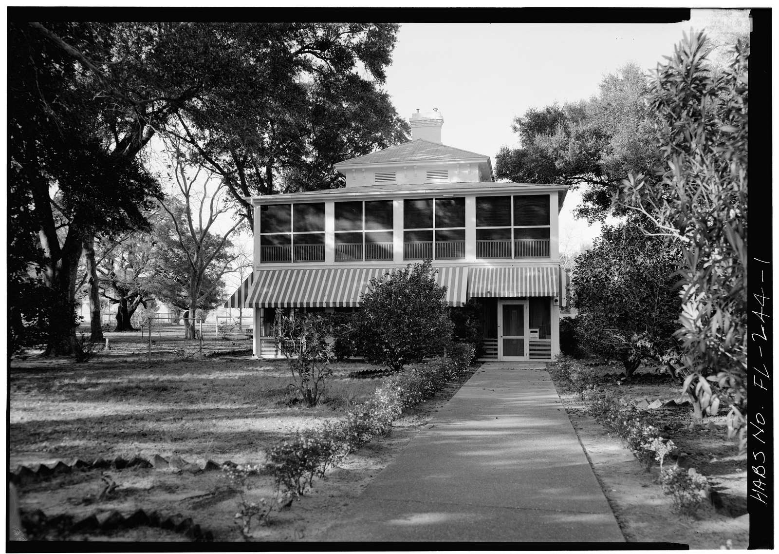 U.S. Naval Air Station, Senior Officers' Quarters, Q-5 North Avenue, Pensacola, Escambia County, FL
