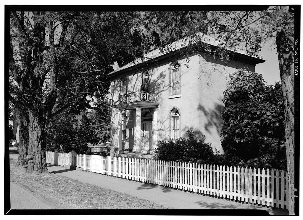 B. F. Dowell House, 470 North Fifth Street, Jacksonville, Jackson County, OR