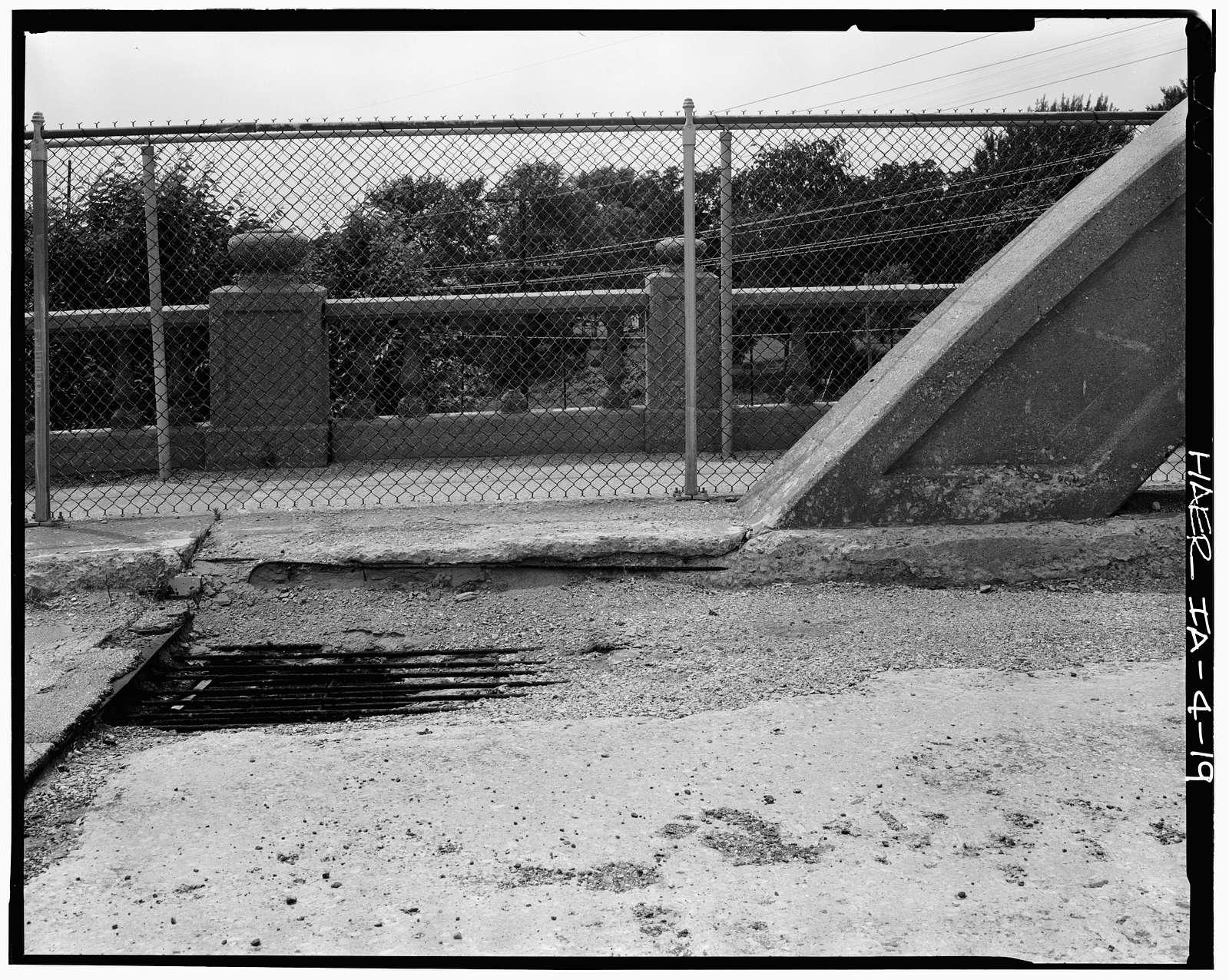 Marsh Rainbow Arch Bridge, West Eighth Street North, Newton, Jasper County, IA