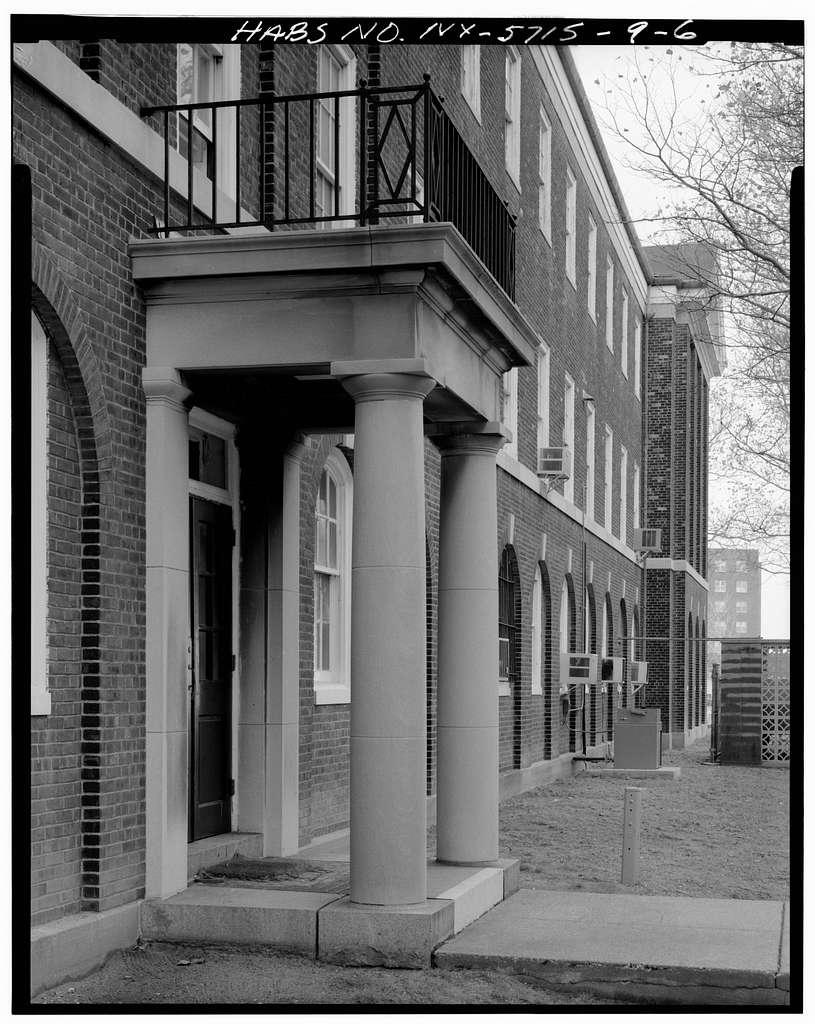 Governors Island, Barracks, New York Harbor, Short & Wheeler Avenues, New York, New York County, NY