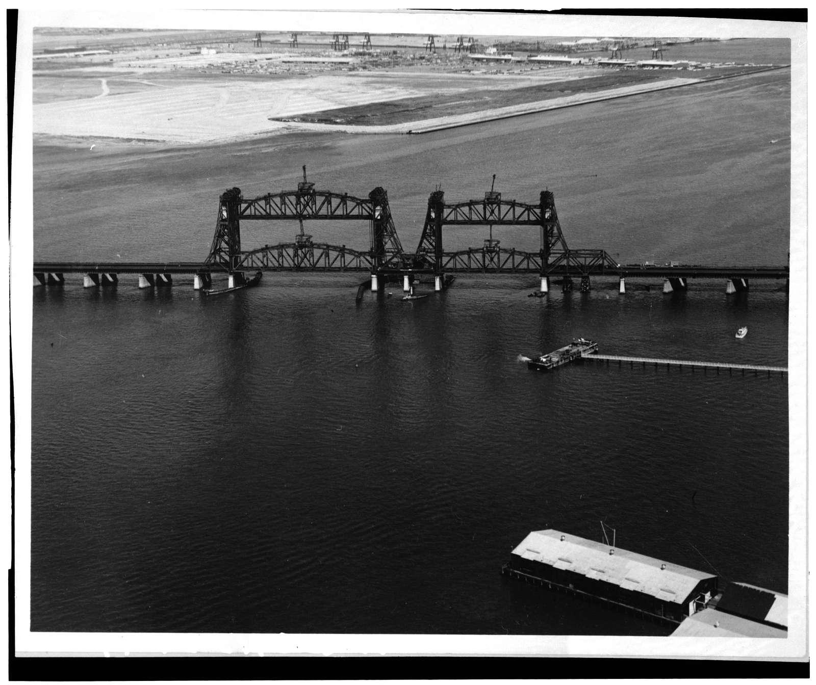 Central Railroad of New Jersey, Newark Bay Lift Bridge, Spanning Newark Bay, Newark, Essex County, NJ