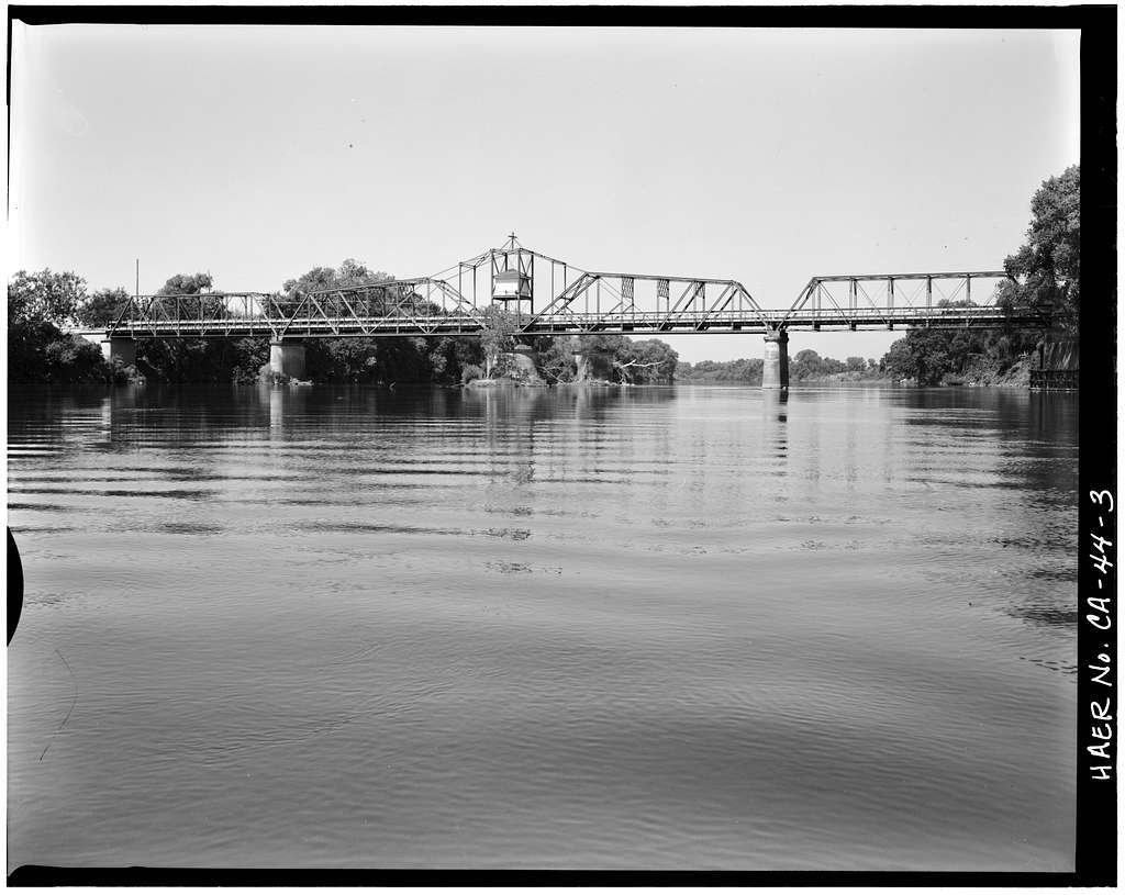 Gianella Bridge, Spanning Sacramento River at State Highway 32, Hamilton City, Glenn County, CA