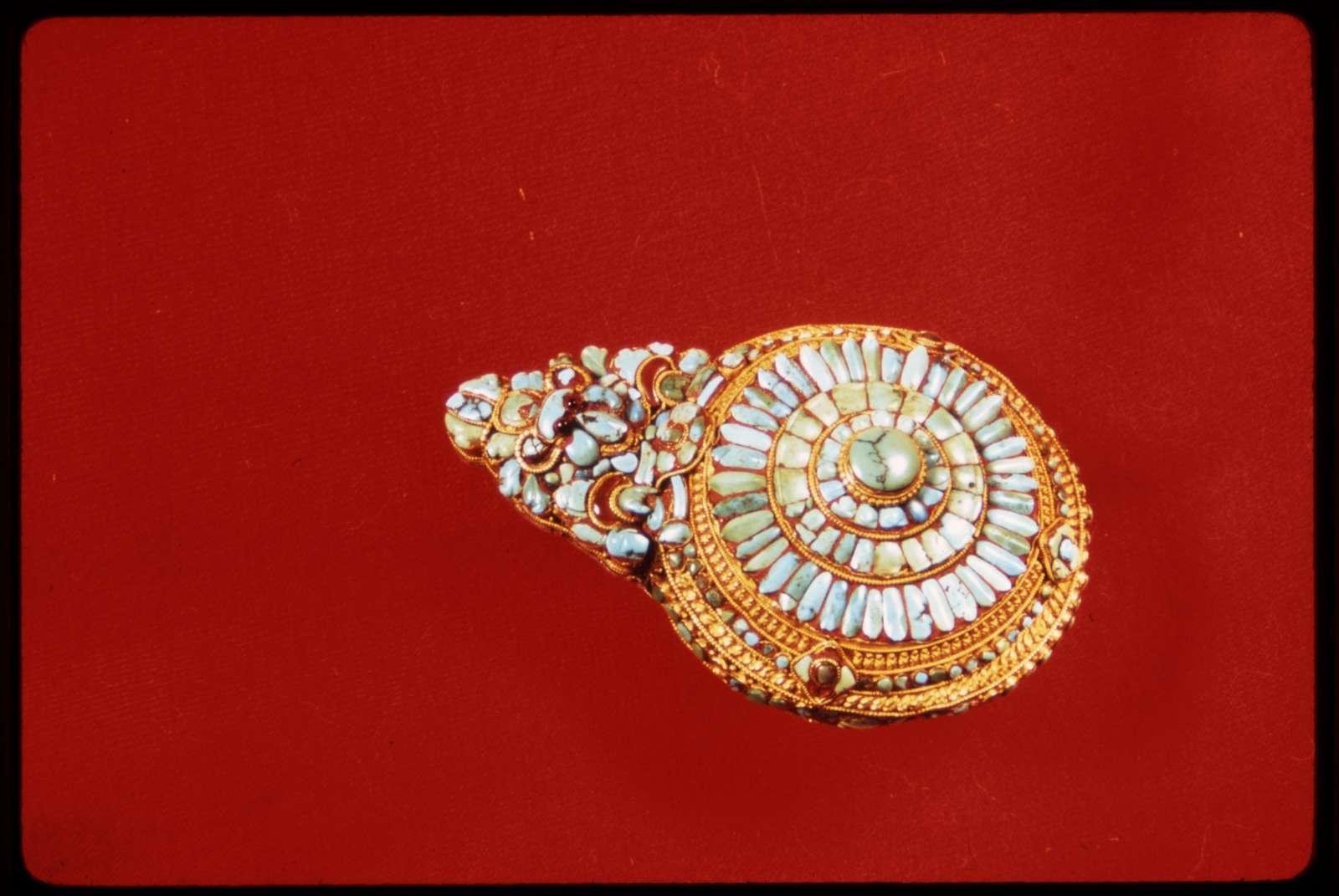 [Sikkimese jewelry]