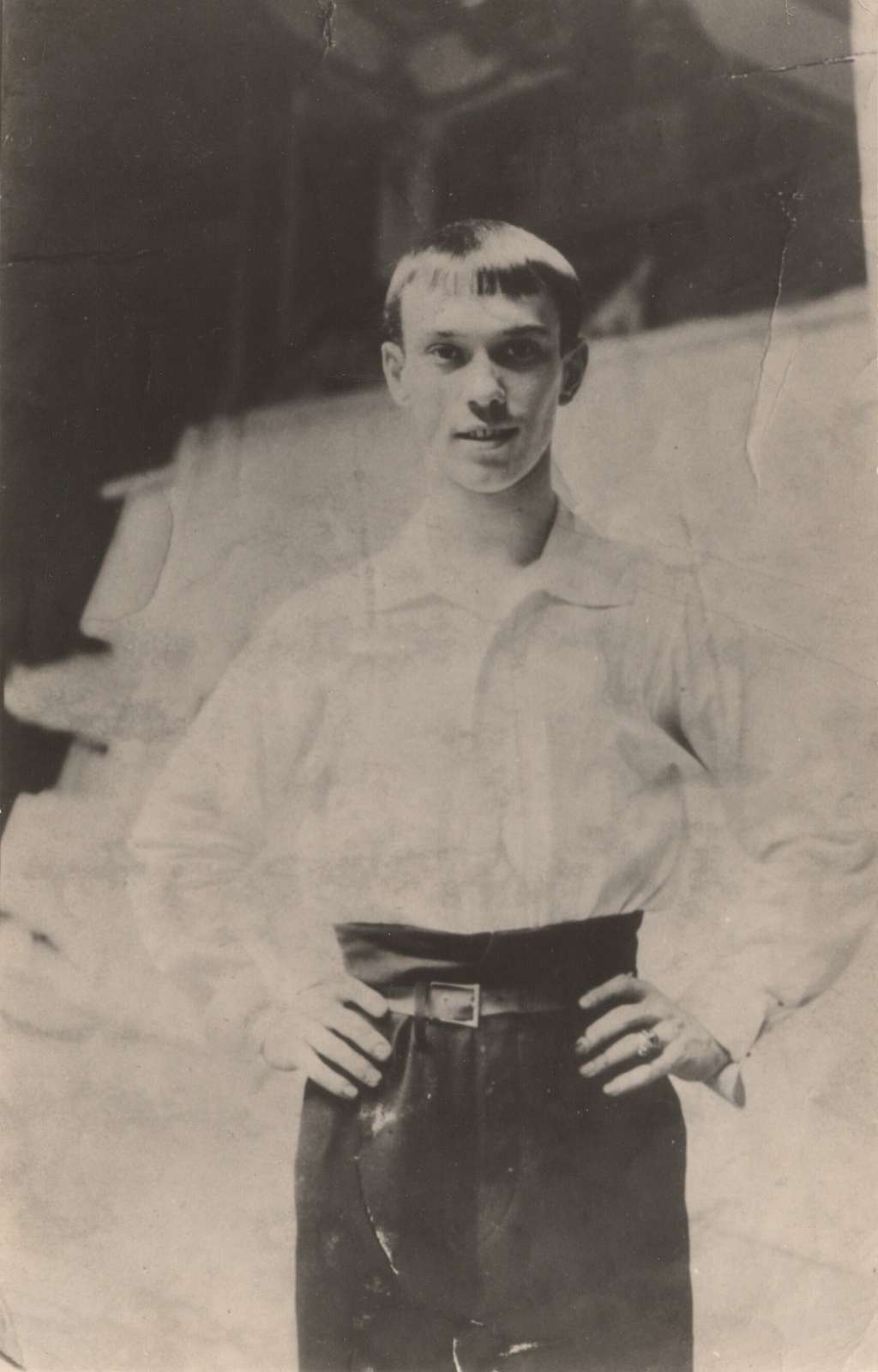 Photograph of Vaslav Nijinsky, dressed in practice clothes, 1908
