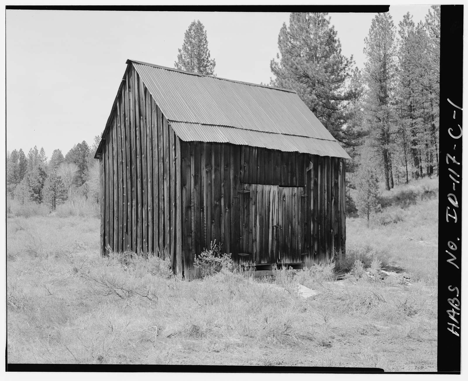 Hiatt Property, Barn, West bank of Woof Creek, 400 feet northwest of intersection of U.S.F.S. Roads 651 & 349, Placerville, Boise County, ID
