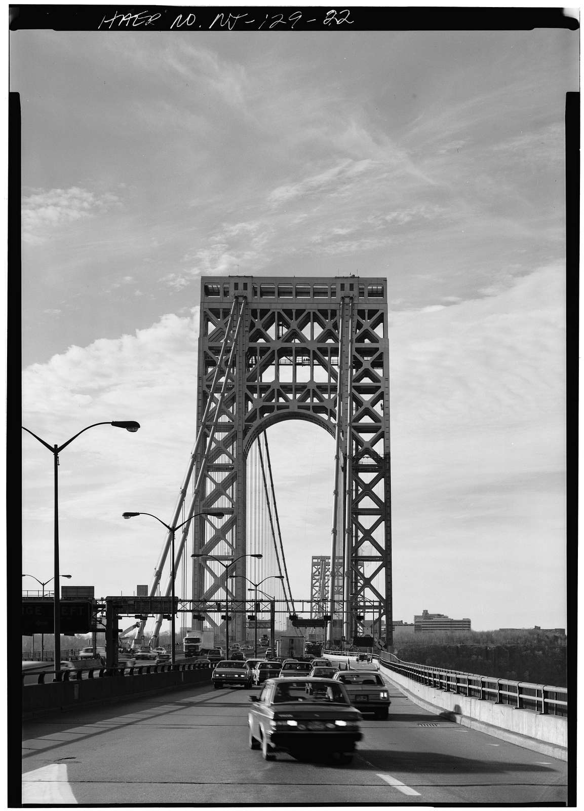 George Washington Bridge, Spanning Hudson River between Manhattan & Fort Lee, NJ, New York, New York County, NY