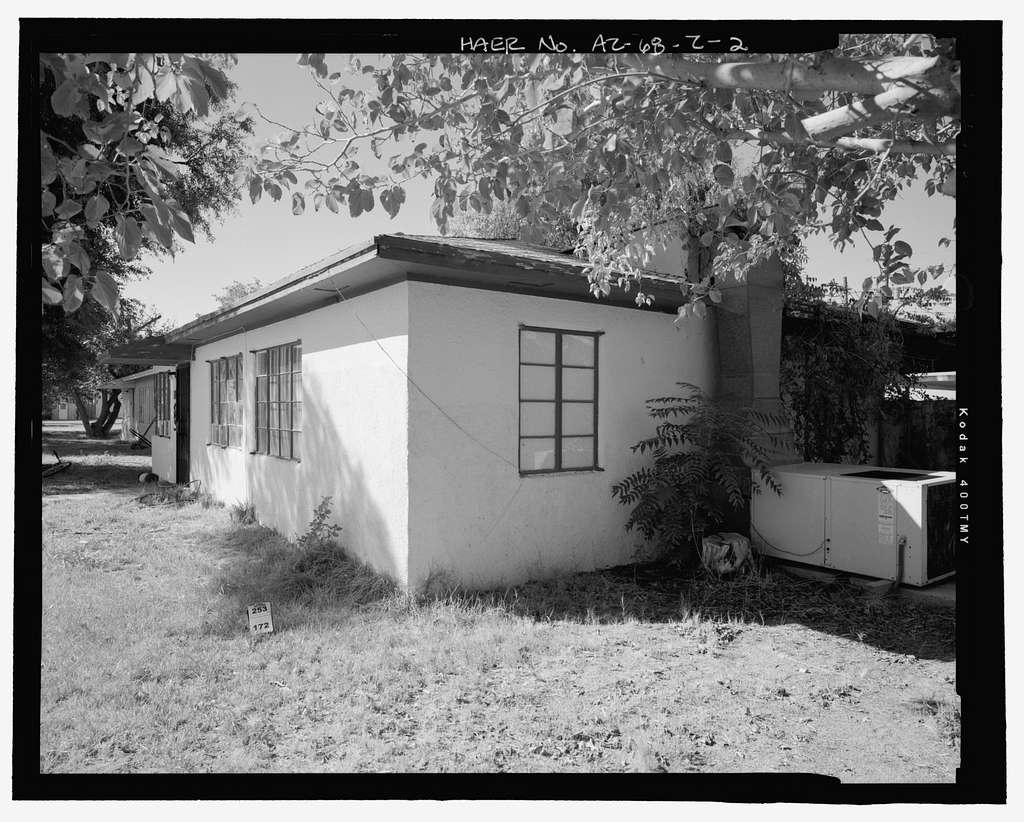 Wellton-Mohawk Irrigation System, Building No. 21 (House), 30602 Wellton-Mohawk Drive, Wellton, Yuma County, AZ