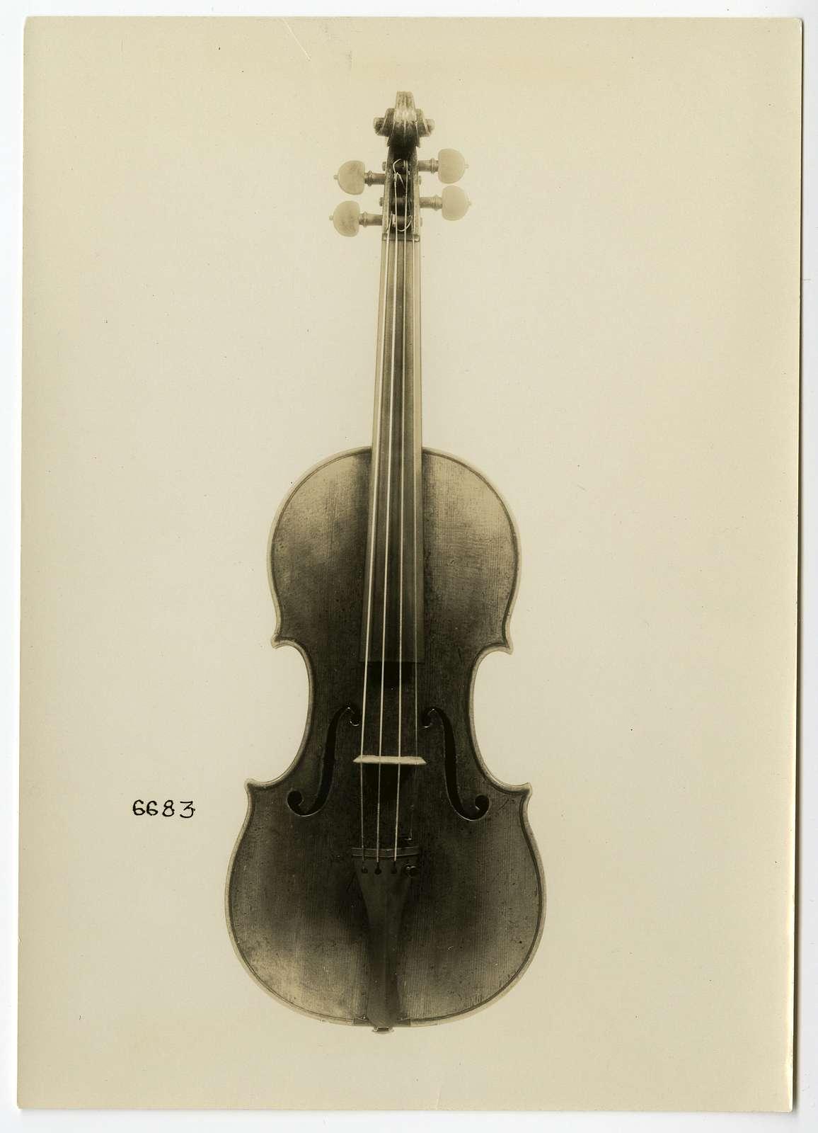 Violin, Antonio Stradivari, Cremona, 1690