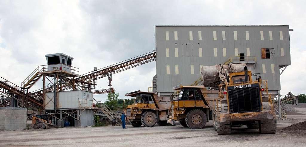 Vulcan Materials Company limestone quarry, Tuscumbia, Alabama - PICRYL  Public Domain Image