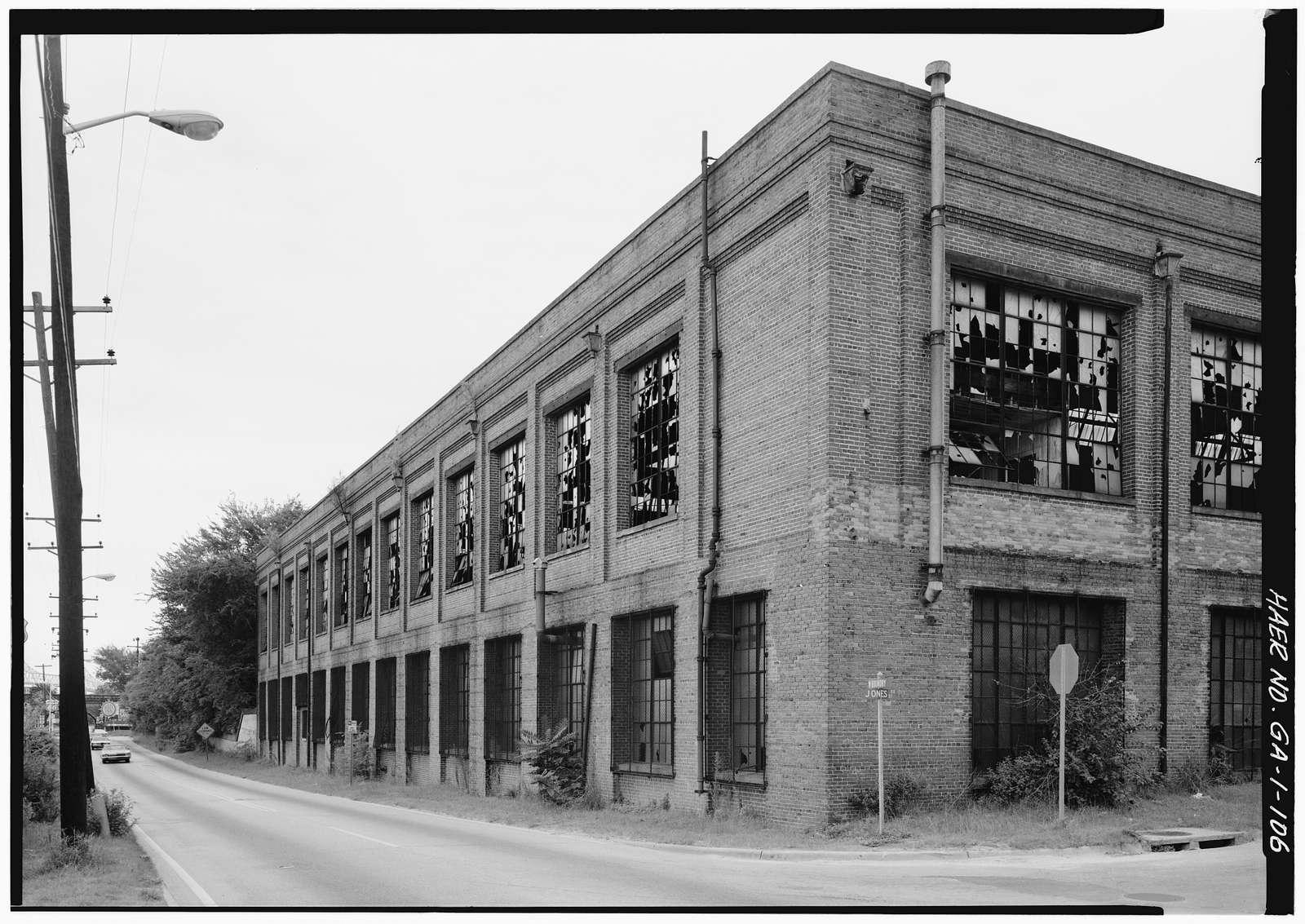 Central of Georgia Railway, Savannah Repair Shops & Terminal Facilities, Paint & Coach Barn, Bounded by West Broad, Jones, West Boundary & Hull Streets, Savannah, Chatham County, GA