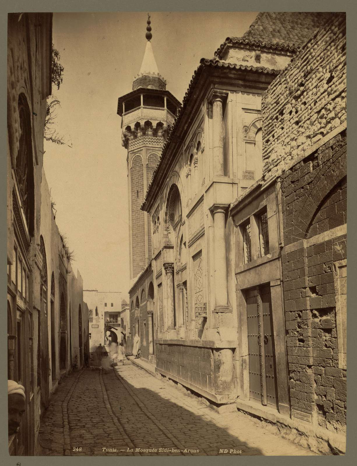 Tunis. La Mosquée Sidi-ben-Arous / ND Phot.
