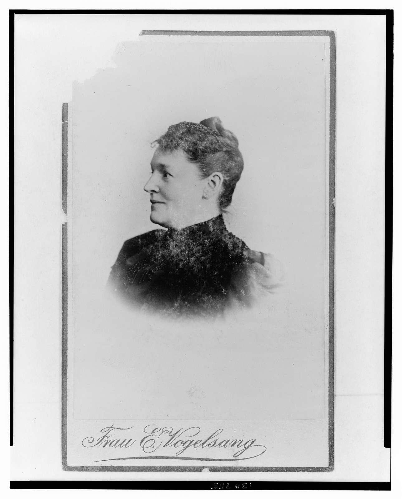 [Hedwig Heyl, German home economics authority, head-and-shoulders portrait, facing left] / Frau E. Vogelsang.