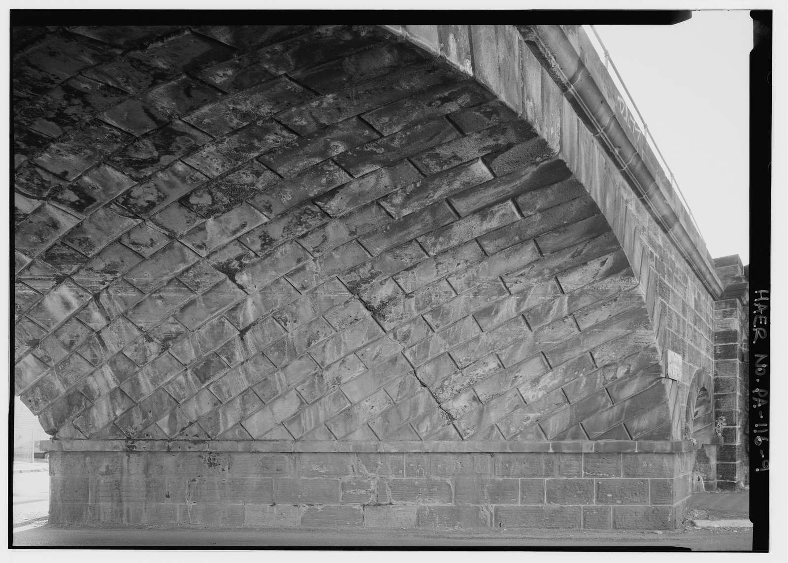 Philadelphia & Reading Railroad, Skew Arch Bridge, North Sixth Street at Woodward Street, Reading, Berks County, PA